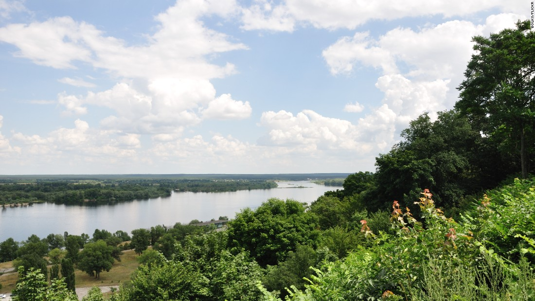 <strong>Dnieper River, Pereiaslav-Khmelnytskyi: </strong>The Dnieper River divides Ukraine into east and west. The hill of the Shevchenko National Reserve in Pereiaslav-Khmelnytskyi offers one of the most majestic views of the river. Photo: Bo&Ko/Flicker.