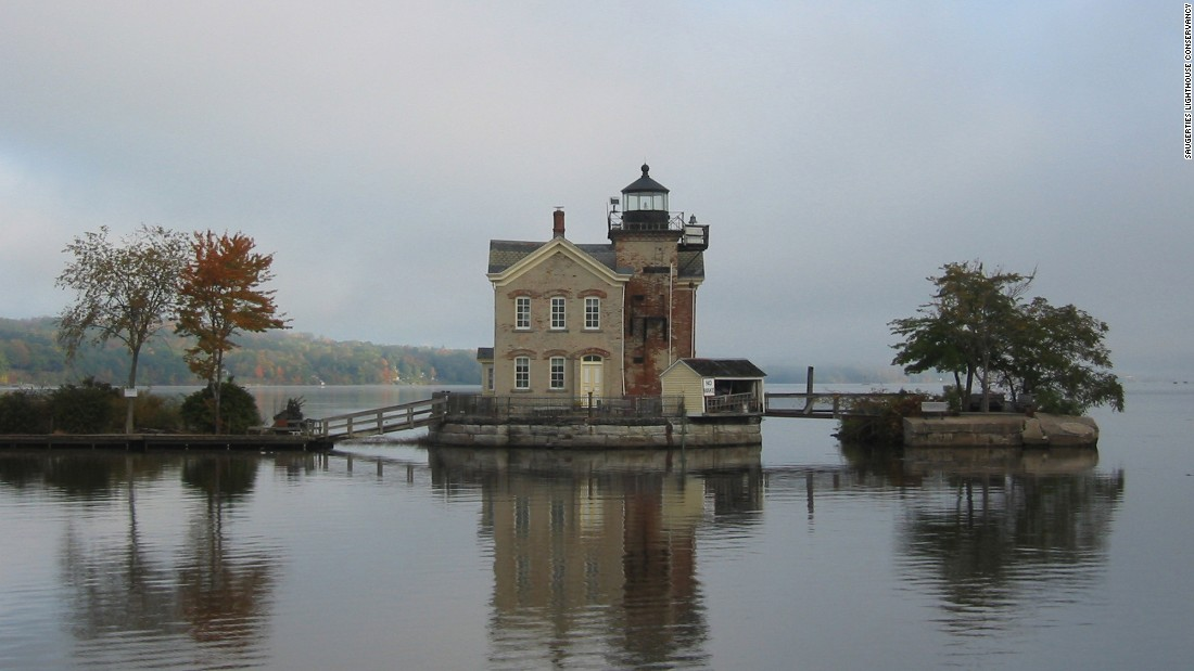 <strong>Saugerties Lighthouse, Saugerties, New York: </strong>There are just two coveted bedrooms in this 1869 lighthouse on the Hudson River. The lighthouse offers views of the Hudson River Valley and Catskill Mountains.
