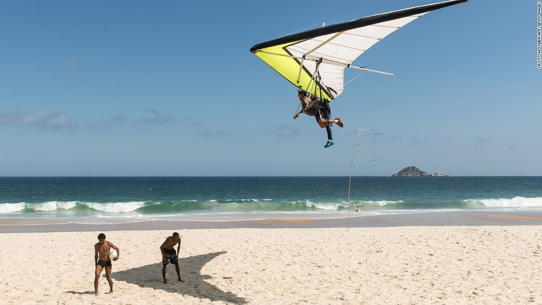 <strong>Rio de Janeiro hang gliding (Brazil): </strong>Seeing aerial views of the city from a drone camera is so mainstream, especially when you can hang glide over it.