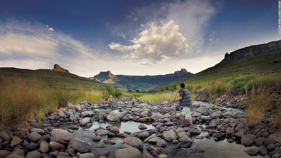 <strong>Tugela River, KwaZulu-Natal: </strong>Originating in the Drakensberg Mountains, The Tugela River is the largest in the KwaZulu-Natal province. At times a rocky stream and at times a broad river, the Tugela recalls scenes of the American West, except for the hippos.
