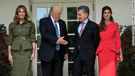 US President Donald Trump (C) and First Lady Melania Trump poses with President of Argentina Mauricio Macri (2nd R) and his wife Juliana Awada (R) at White House in Washington, DC, April 27, 2017. / AFP PHOTO / Brendan Smialowski        (Photo credit should read BRENDAN SMIALOWSKI/AFP/Getty Images)