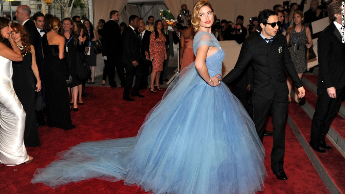 Doutzen Kroes and designer Zac Posen