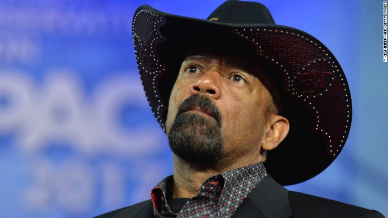 Controversial Milwaukee Sheriff David Clarke says he's taking Homeland Security post