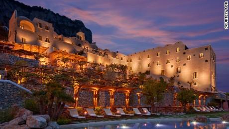 World-class spa + Amalfi coast = Yes, please.