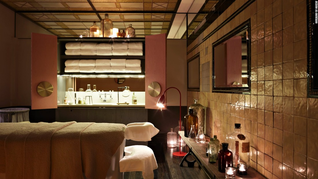 <strong>QT Sydney:</strong> An apothecary-inspired massage room at Sydney's spaQ strikes a balance between inviting and impossibly hip.