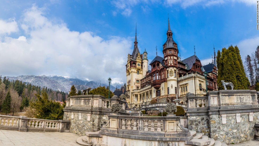 <strong>Peles Castle: </strong>A visit to Peles Castle can be combined with Bran Castle on a day trip from Bucharest.