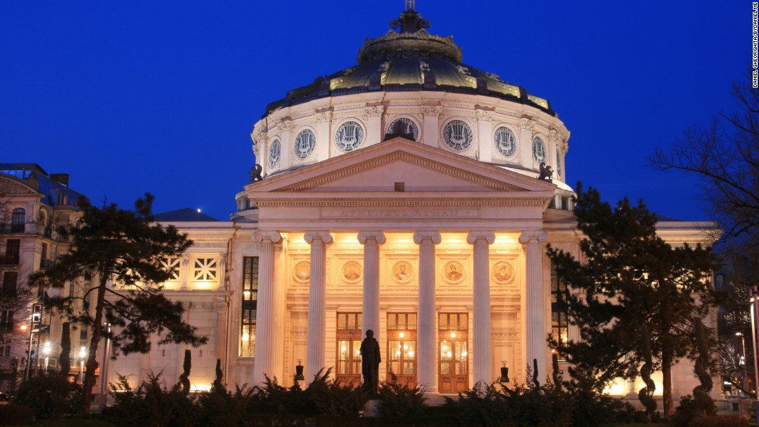 <strong>Romanian Athenaem: </strong>The Romanian Athenaeum houses the George Enescu Philharmonic in one of the most stately 19th-century buildings in Bucharest.