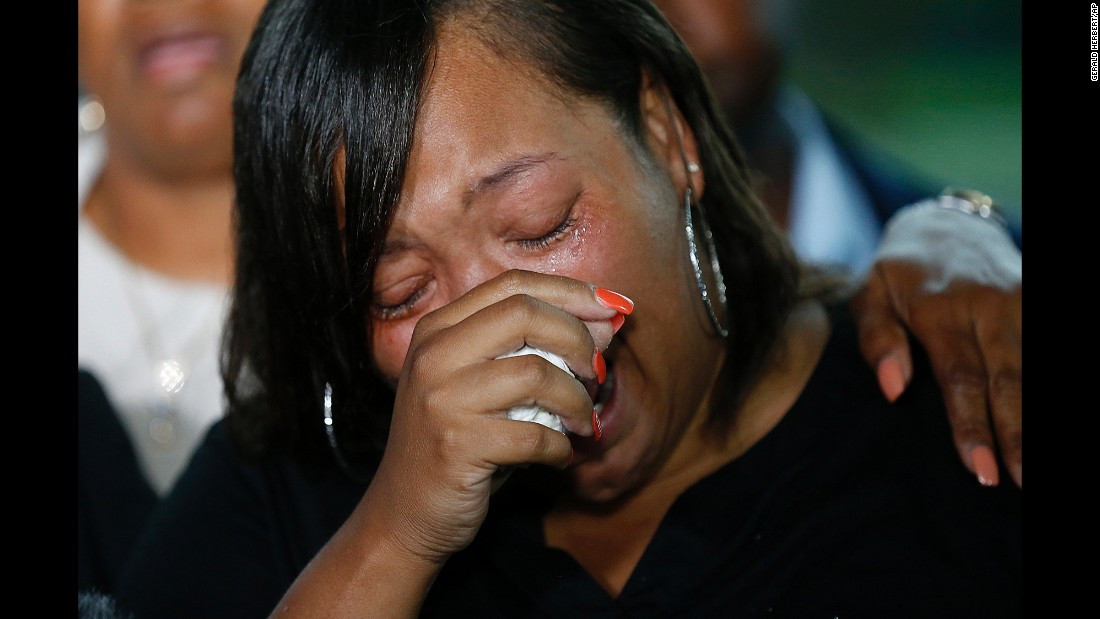 "Kimberly Pierson, the mother of Alton Sterling's son Na'Quincy Pierson, cries as she speaks to reporters Wednesday, May 3, in Baton Rouge, Louisiana. Federal prosecutors <a href=""http://www.cnn.com/2017/05/03/us/alton-sterling-doj-death-investigation/"" target=""_blank"">had just announced </a>that there wasn't enough evidence to file civil-rights charges against the two Baton Rouge police officers who fatally shot Sterling in July 2016. But they said they would hand the case files over to Louisiana Attorney General Jeff Landry, who will determine whether state charges are appropriate."