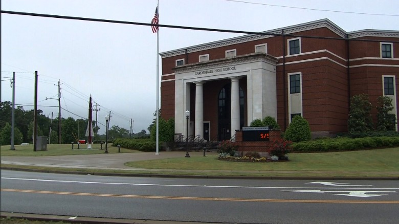 Alabama city allowed to form own school system