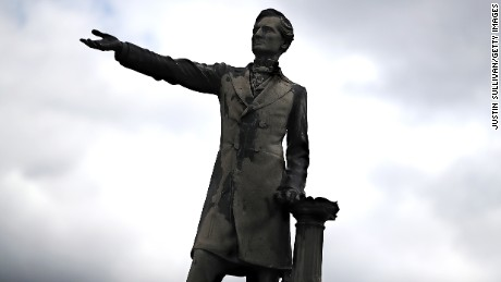 New Orleans begins removing second Confederate monument