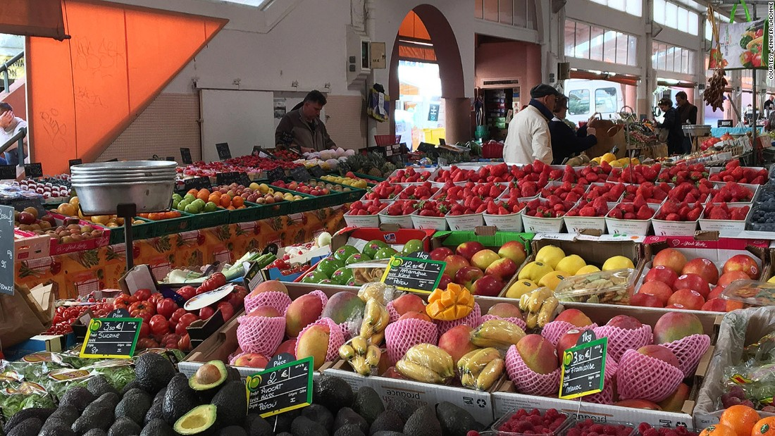 <strong>Marvelous marché: </strong>Marché Forville is Cannes's historic market, where stalls overflow with seasonal local bounty: tantalizing fruits, cheeses, charcuterie, olives and olive oil and the town's 20 last fisherman displaying their daily catch.