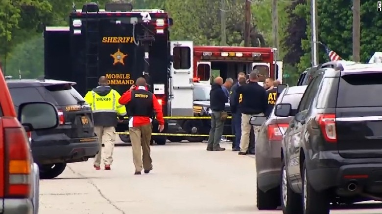 Ohio police chief among 3 killed by gunman