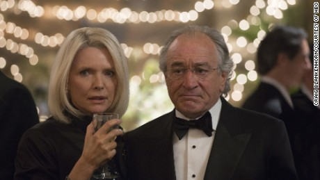 Michelle Pfeiffer, Robert De Niro in 'The Wizard of Lies'