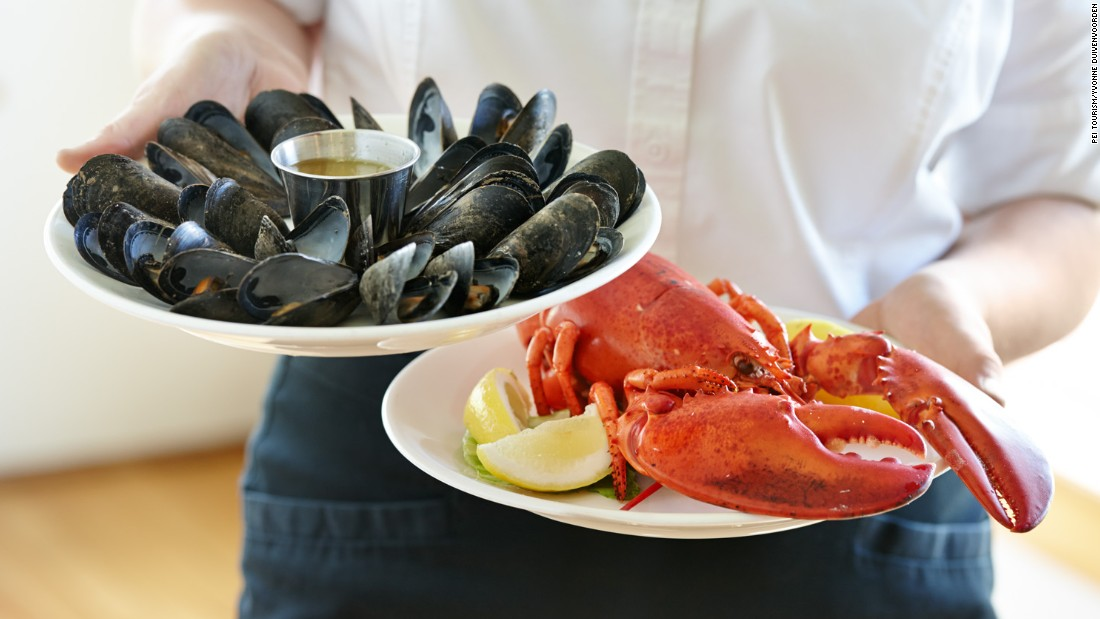 <strong>Lobster suppers: </strong>No island visit is complete without a good old-fashioned lobster supper. New Glasgow Lobster Suppers offers all you can eat mussels with every lobster purchase.