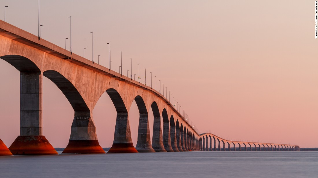 <strong>Confederation Bridge: </strong>Canada's longest bridge, this 8-mile-long island icon opened in 1997. It connects PEI to the New Brunswick mainland.