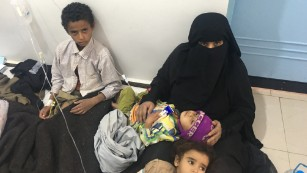 More than 100,000 ill in deadly cholera outbreak in Yemen