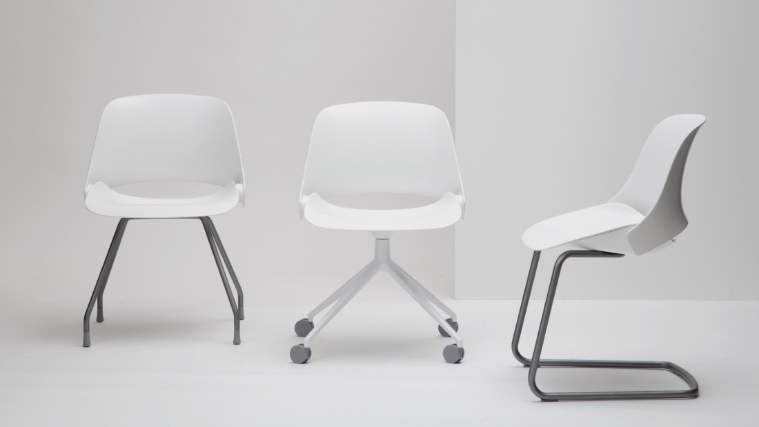 Trea is designed for how people work today. The chair has a built-in recline that provides ergonomic support for sitters of all sizes without the need for manual adjustments to control tension. It speaks a design language at once modern and timeless.