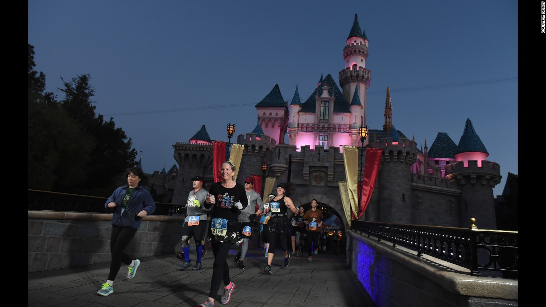 Despite the darkness, the course is well-lighted and -directed. It goes through the iconic Sleeping Beauty's Castle.<br />