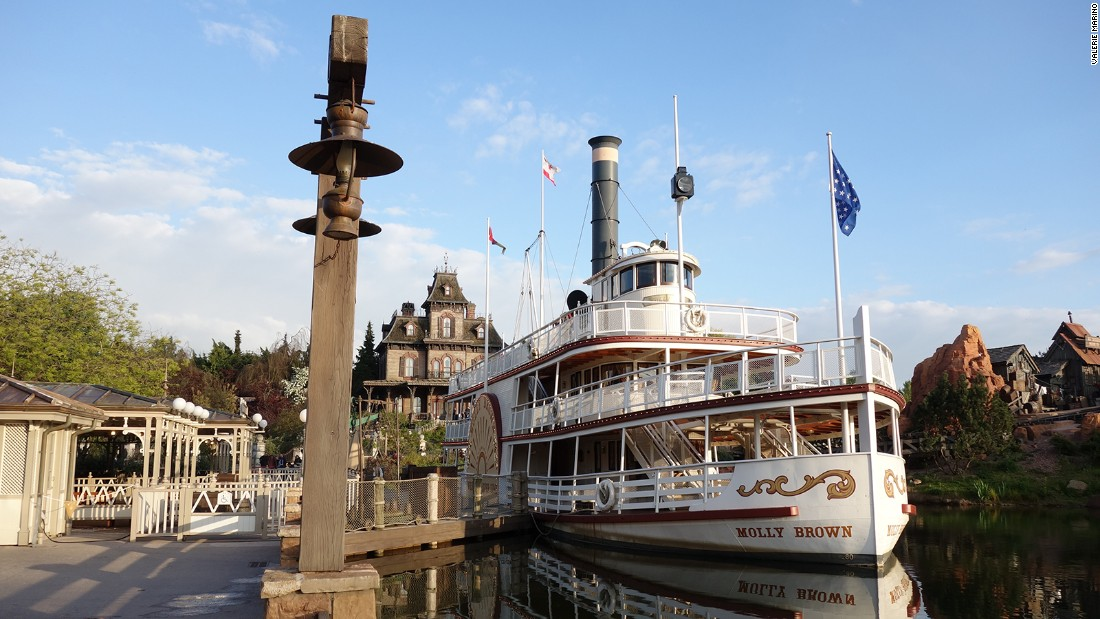 <strong>The Molly Brown:</strong> The<em> Molly Brown</em> awaits passengers for a cruise around Rivers of the Far West.