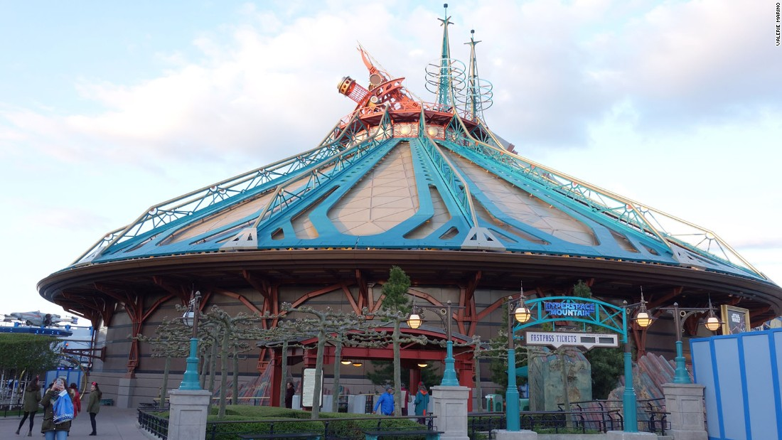 <strong>Hyperspace Mountain:</strong> Hyperspace Mountain opened in May at Disneyland Paris, replacing Space Mountain: Mission 2.