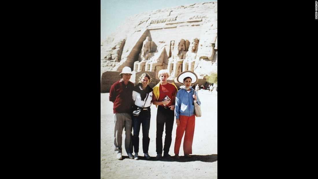 Ginsburg, her husband and their children vacation in Egypt in 1985.