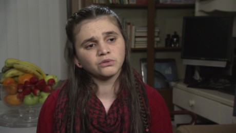17 year old girl's journey from war-torn Syria_00015109.jpg
