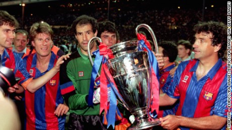 Barcelona goalkeeper Andoni Zubizarreta (centre) and the rest of the team celebrate with the the trophy  (Photo by Neal Simpson/EMPICS via Getty Images)