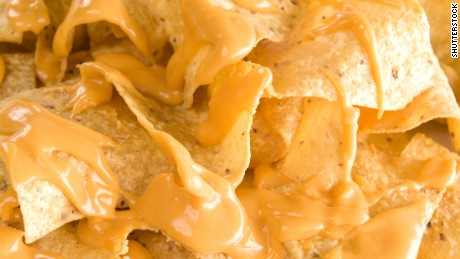 1 dead and 9 hospitalized with botulism after eating nacho cheese sauce