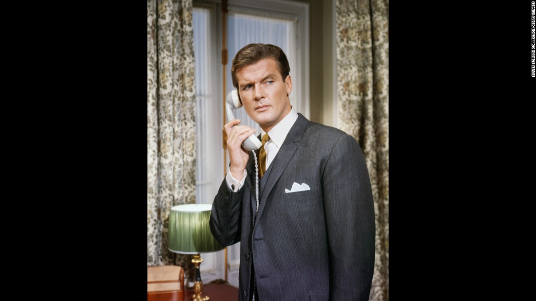 Roger Moore, 'James Bond' Actor, Dies at 89