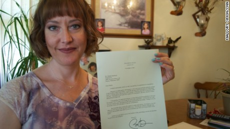 Mandy Martinson holds a letter she received from President Barack Obama.