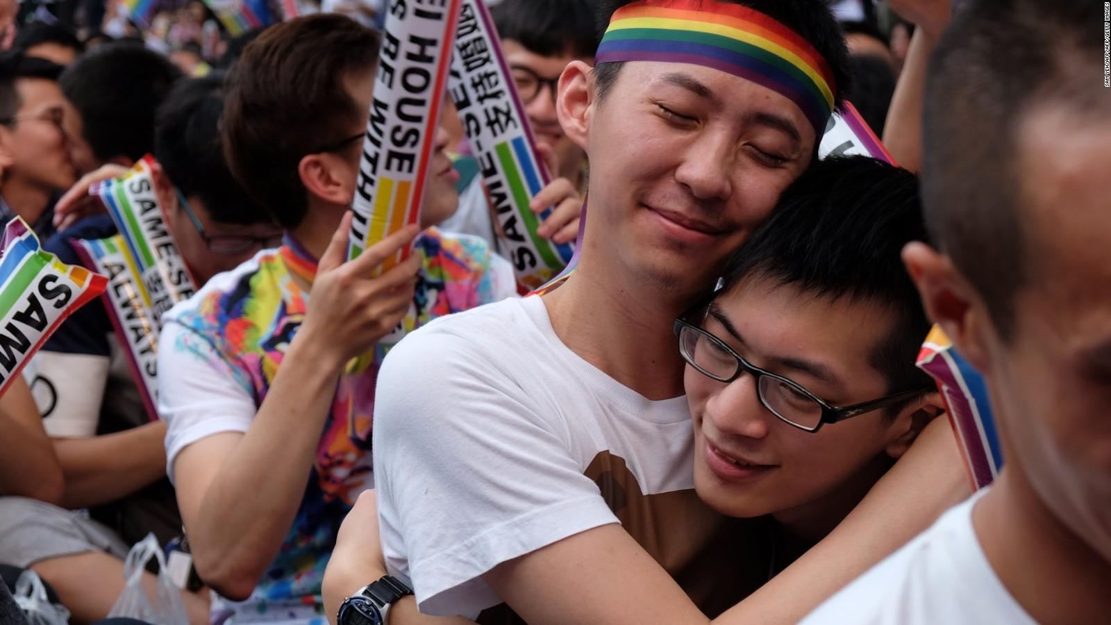 Экстремальное гей видео онлайн фото 521-517