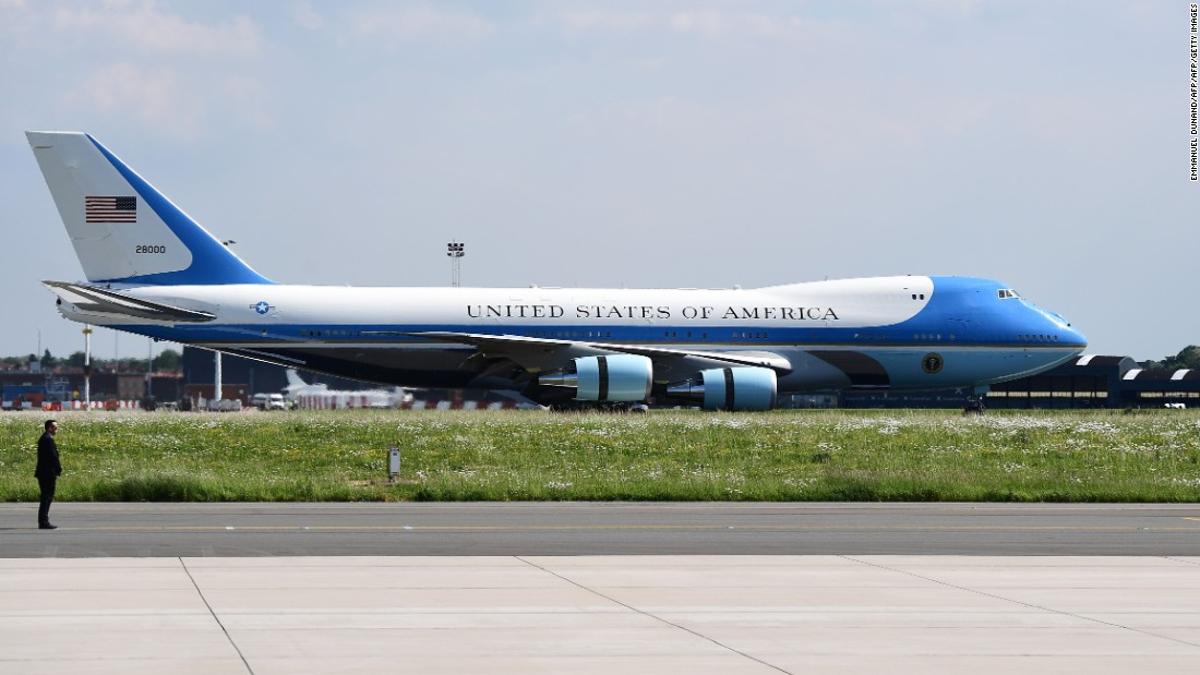 us finalizes deal for new air force one jets once destined. Black Bedroom Furniture Sets. Home Design Ideas