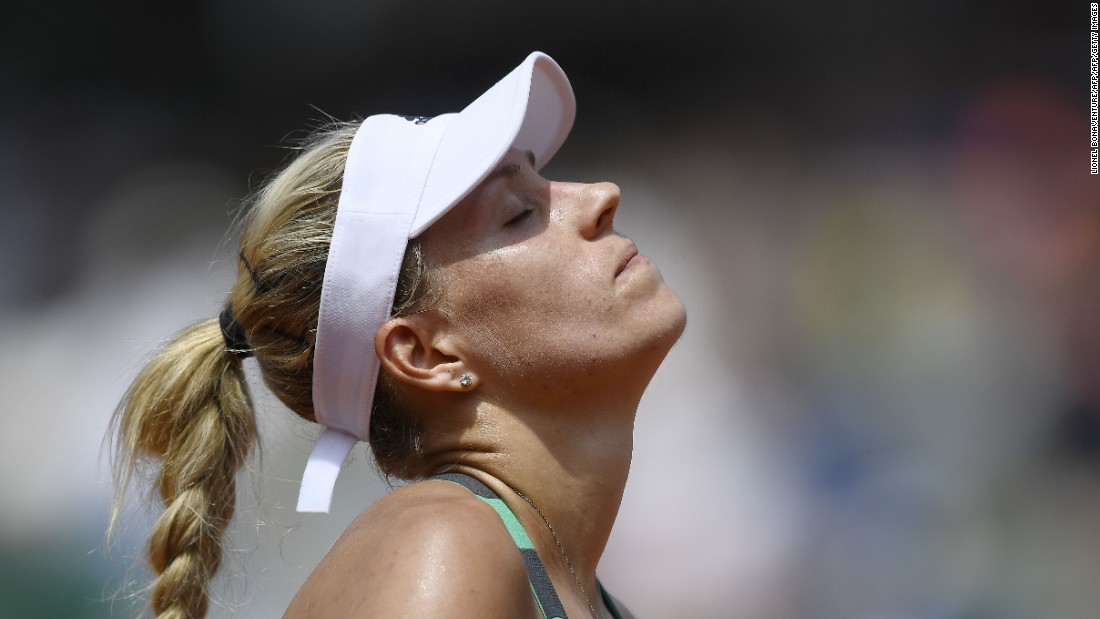 "A day earlier, Angelique Kerber suffered the indignity of becoming the first top seeded woman to be defeated in the opening round of the French Open as she suffered a <a href=""http://edition.cnn.com/2017/05/28/tennis/angelique-kerber-french-open-ekaterina-makarova/"">surprise straight-sets loss </a>to Russia's Ekaterina Makarova."