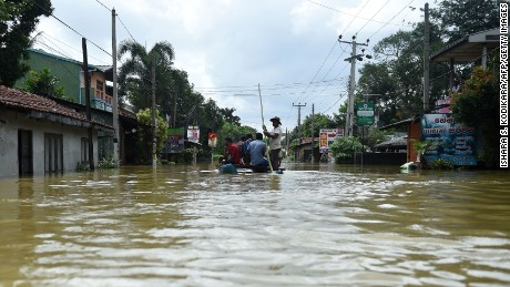 Floods, mudslides in Sri Lanka following heavy rains