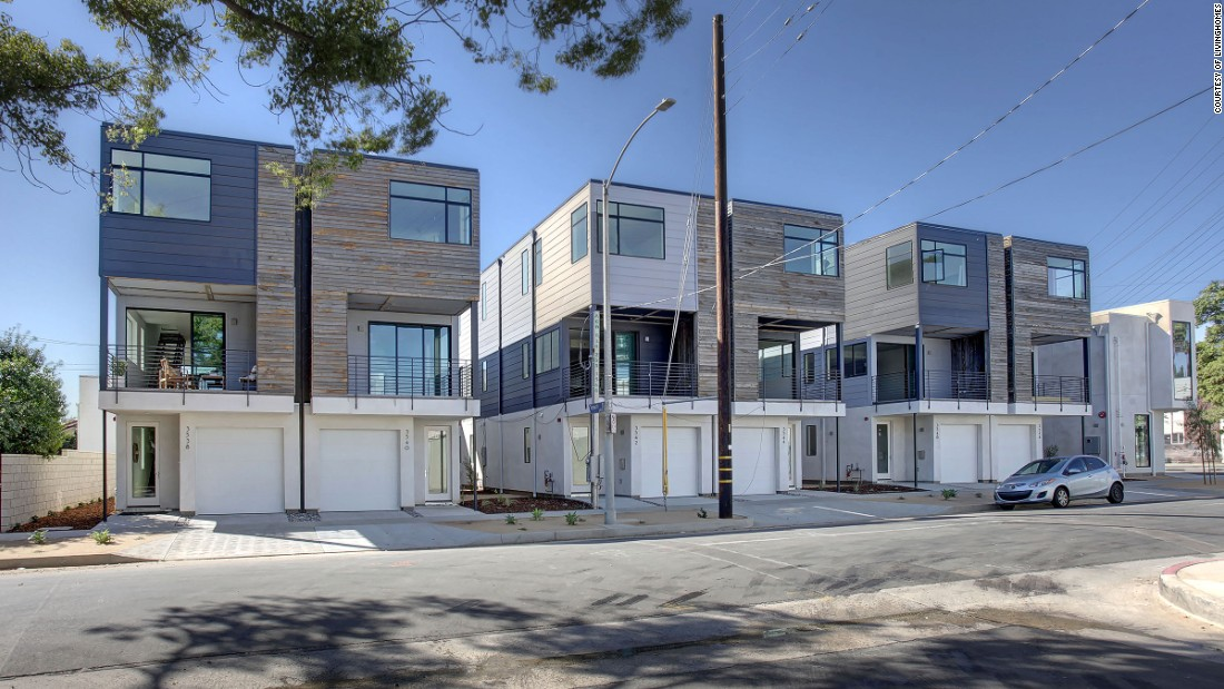 In addition to their line of lower cost, LEED platinum houses, which start at $139,000, LivingHomes collaborates with architect Ray Kappe and architecture firm KieranTimberlake on a number of models.