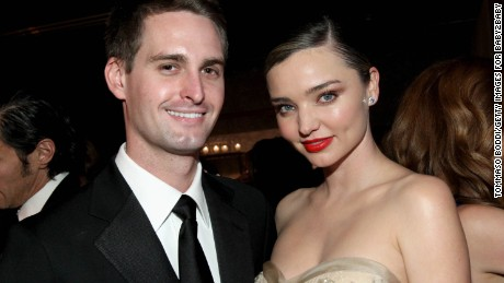 CULVER CITY, CA - NOVEMBER 12:  Founder, Snapchat Evan Spiegel (L) and model Miranda Kerr attend the Fifth Annual Baby2Baby Gala, Presented By John Paul Mitchell Systems at 3LABS on November 12, 2016 in Culver City, California.  (Photo by Tommaso Boddi/Getty Images for Baby2Baby)