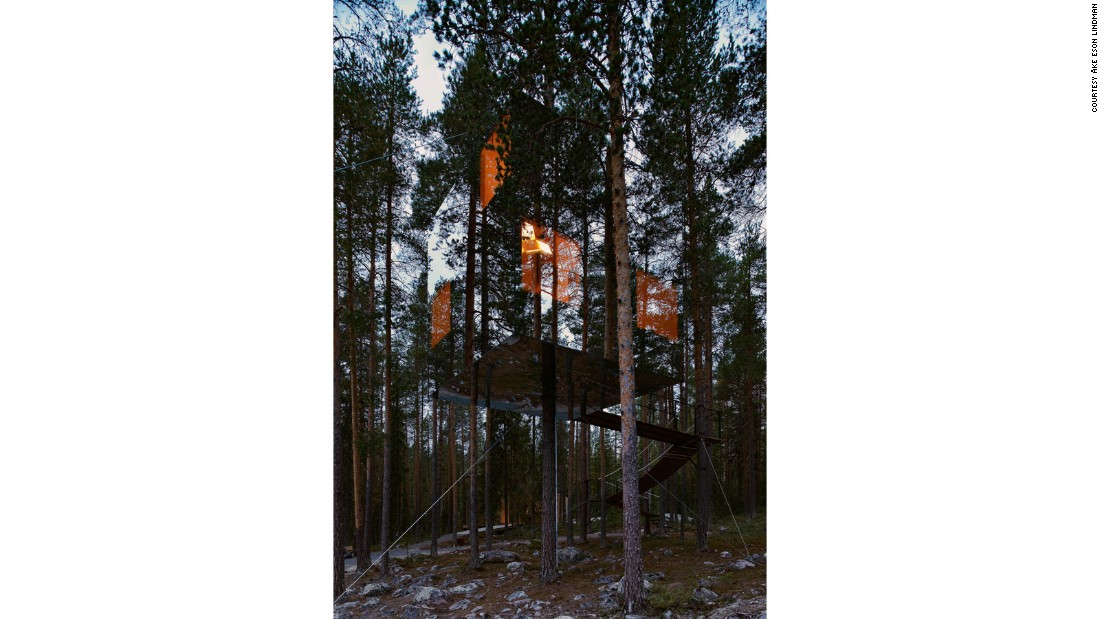Erected deep inside a forest in northern Sweden, the Mirrorcube Tree hotel is clad in mirrored glass. With a 360-degree view, it was designed by Tham & Videgård for the nearby Brittas Pensionat hotel.