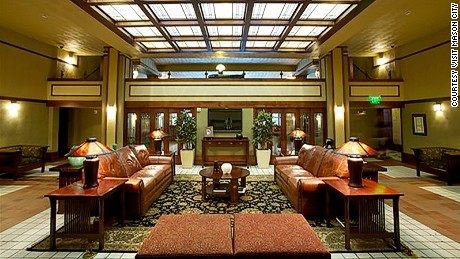 Historic Park Inn: The only remaining Wright-designed hotel.