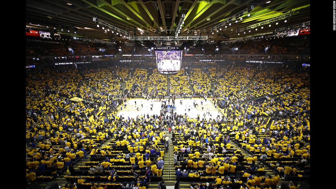 Oracle Arena was packed for Game 1.
