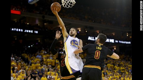 OAKLAND, CA - JUNE 04:  Stephen Curry #30 of the Golden State Warriors goes up for a shot against the Cleveland Cavaliers in Game 2 of the 2017 NBA Finals at ORACLE Arena on June 4, 2017 in Oakland, California. NOTE TO USER: User expressly acknowledges and agrees that, by downloading and or using this photograph, User is consenting to the terms and conditions of the Getty Images License Agreement.  (Photo by Ezra Shaw/Getty Images)