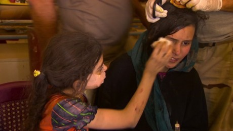 iraq escaping isis children mosul damon pkg_00043019.jpg