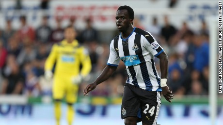 NEWCASTLE UPON TYNE, ENGLAND - AUGUST 25:  Cheick Tiote of Newcastle United in action during the Capital One Cup Second Round between Newcastle United and Northampton Town at St James' Park on August 25, 2015 in Newcastle upon Tyne, England.  (Photo by Pete Norton/Getty Images)