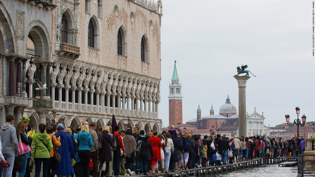Too Many Tourists Venice Trying To Manage Flood Of Visitors Cnn Cnn Travel