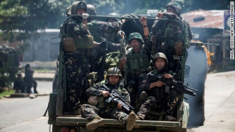 US forces helping Philippines battle ISIS-linked fighters