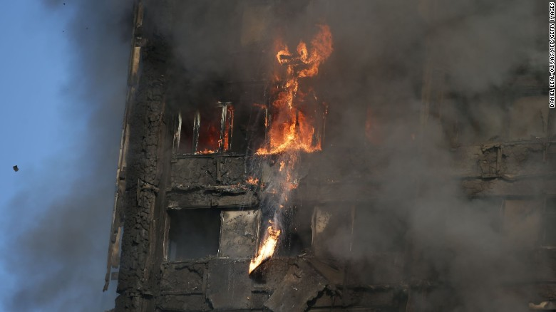 Eyewitnesses describe horror of London fire