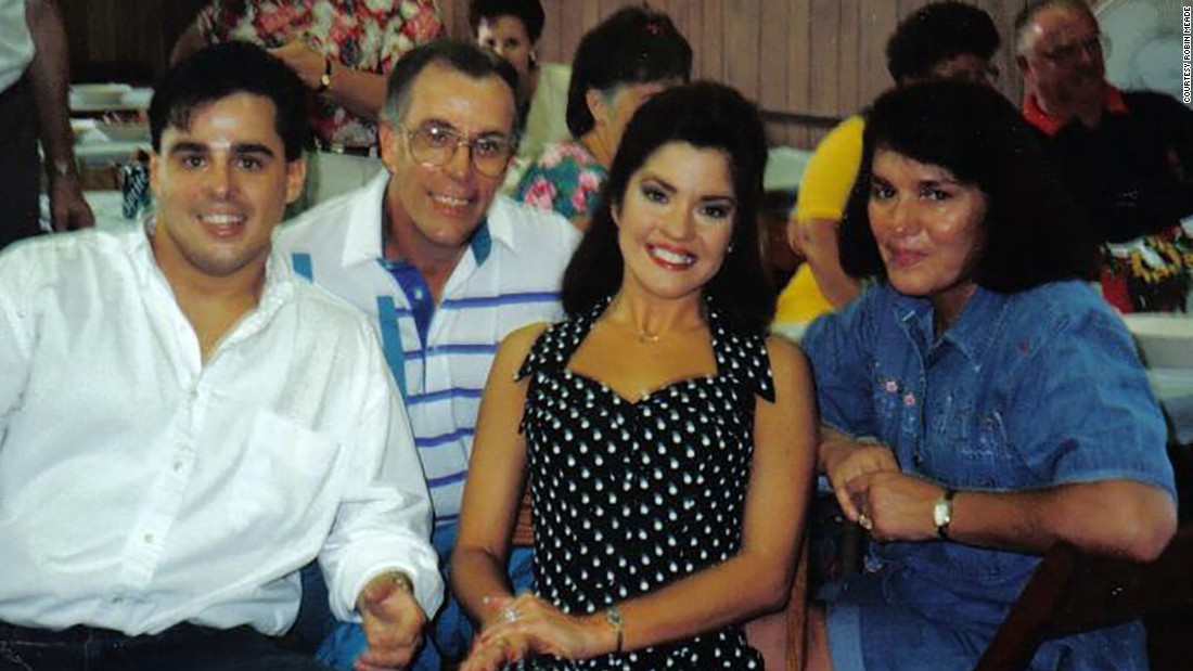 Robin Meade with her parents and husband, Tim Yeager, in Ohio in the early '90s.