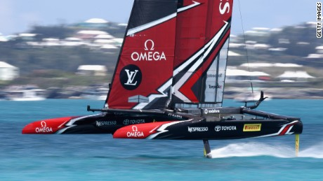 HAMILTON, BERMUDA - JUNE 17:  Emirates Team New Zealand in action against ORACLE TEAM USA in race 2 on Day 1 of the America's Cup Match Presented by Louis Vuitton on June 17, 2017 in Hamilton, Bermuda.  (Photo by Ezra Shaw/Getty Images)