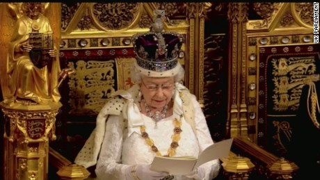 queens speech clark pkg_00014124.jpg