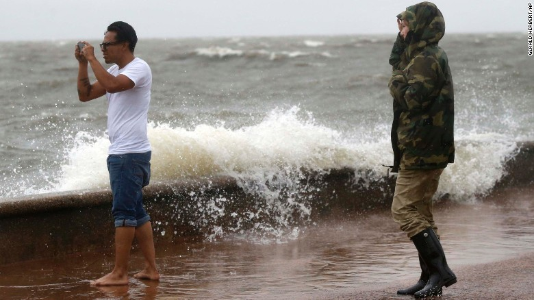 Gulf Coast hit by tropical storm