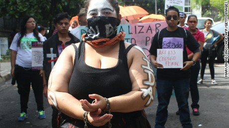 Salvadoran women rally to demand the decriminalization of abortion in front of the Legislative Assembly in San Salvador on September 28, 2016.